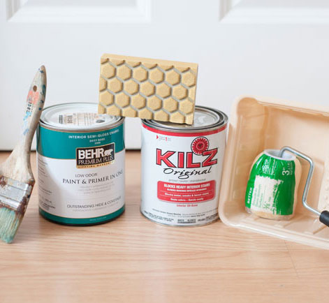 Supplies for painting small table