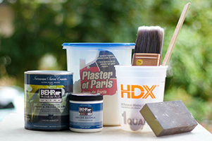 Tools and ingredients for making chalk paint