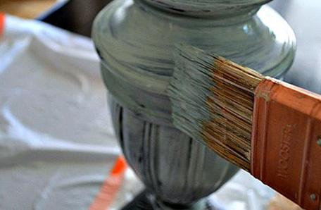 Pintando la lámpara con pintura Behr
