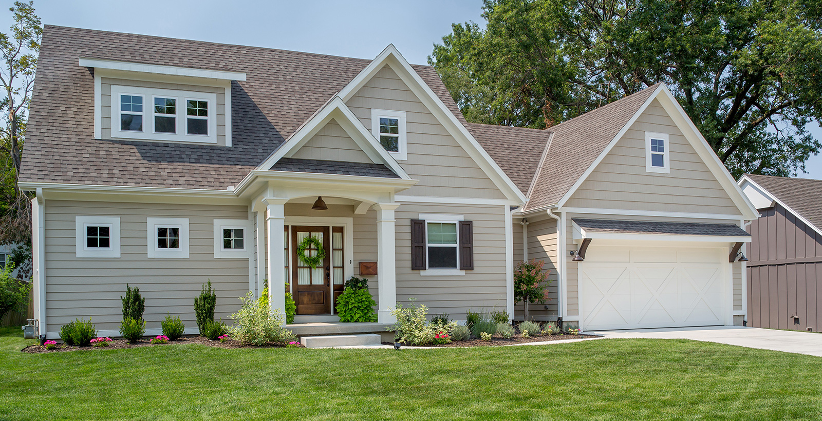 Ranch House Exterior Colors Ideas And Inspiration Paint Colors Behr