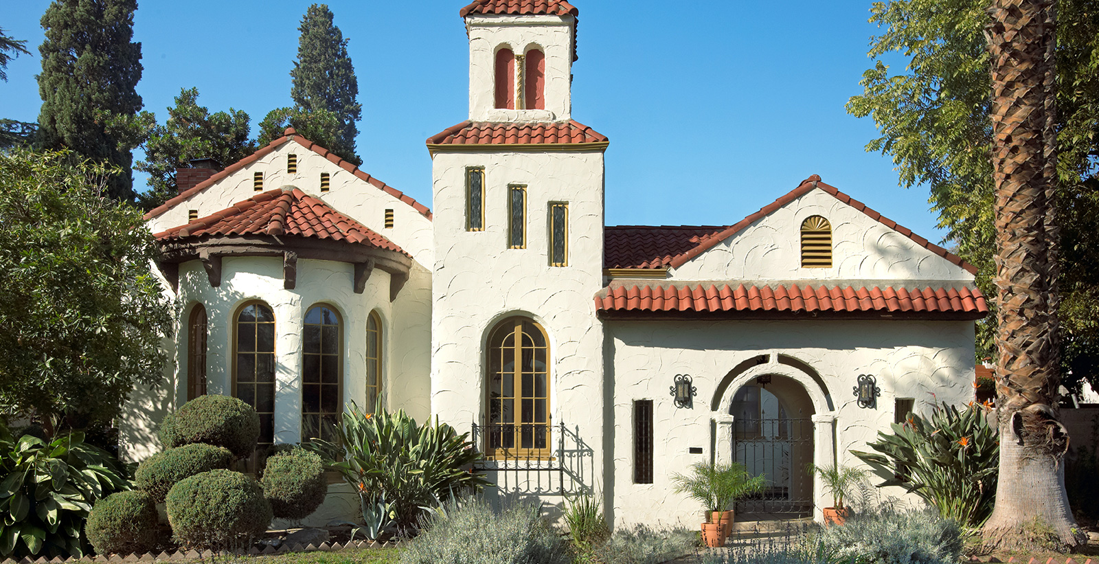 Spanish Mediterranean House Exterior Colors Ideas And Inspiration Paint Colors Behr