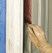 Comenzar a pintar la puerta.