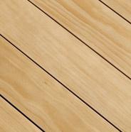 Terraza de madera limpia y seca