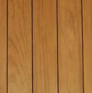 Terraza de madera entintada
