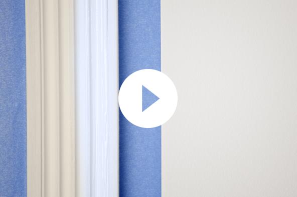 Pintura de molduras con cinta para pintores