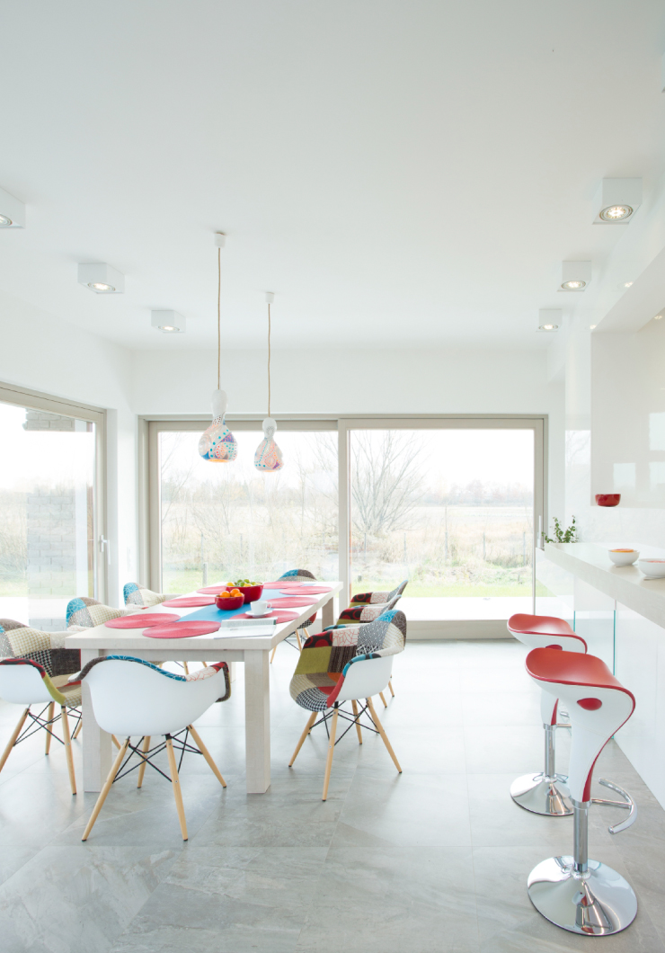Dining room with walls painted in Ultra Pure White